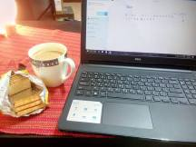 Tea, butter cookies and blogging! <3